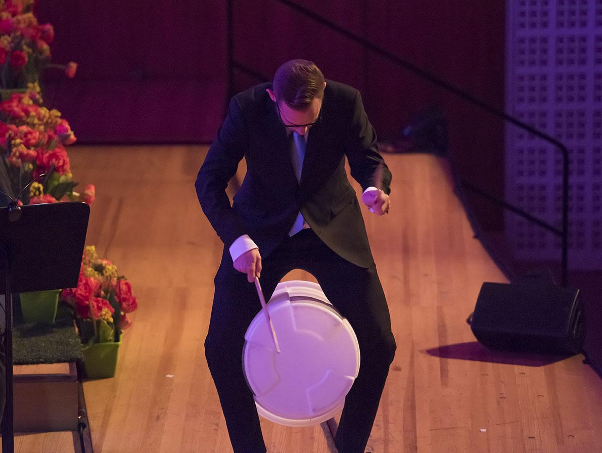 LCB Galanight 2016, Lucerne Concert Band unter der Leitung von Gian Walker mit Alex Porter als Gast.Luzern, den 23.04.2016Foto: Priska Ketterer Luzern