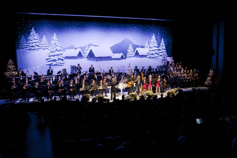 LCB Weihnachtskonzert 2013 Luzern, den 15.12.2013 Copyright: Priska Ketterer Luzern
