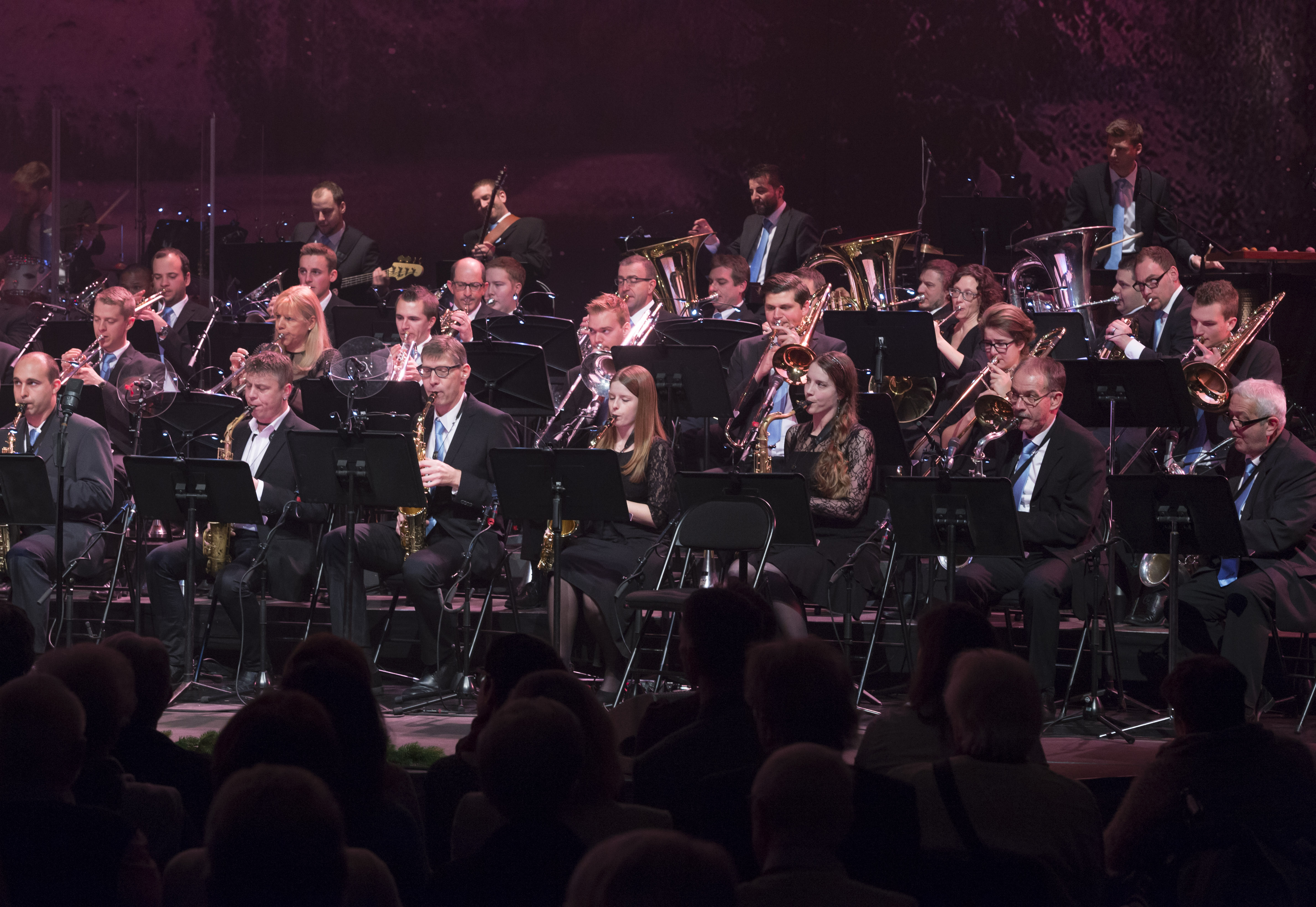 Lucerne Concert Band, Weihnachtskonzert 2016 unter der Leitung von Gian Walker